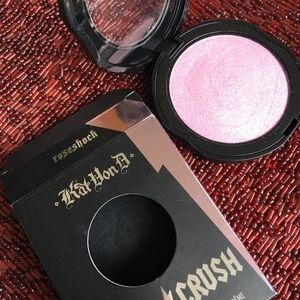 Kat Von D Metal Crush Rose color